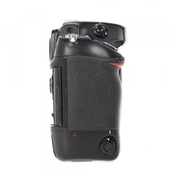 Nikon D2 H +  Nikon D2 X (S.H.) , PACHET 12