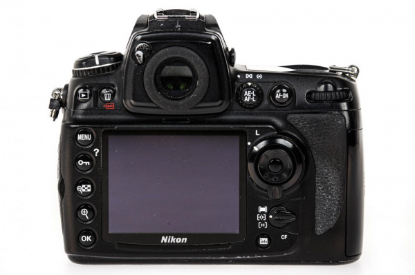 Nikon D700 body (Second Hand) 2