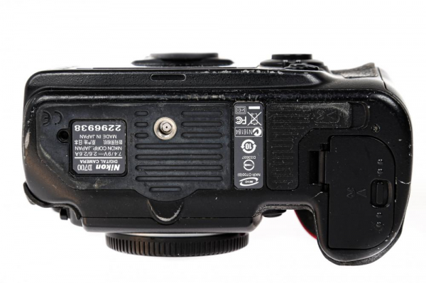 Nikon D700 body (Second Hand) 5