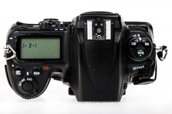 Nikon D700 body (Second Hand) 4