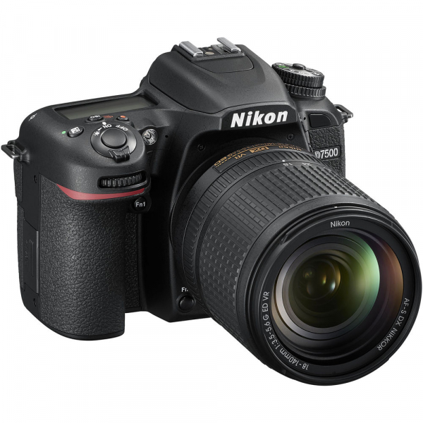 Nikon D7500 kit + Nikon 18-140mm VR 9