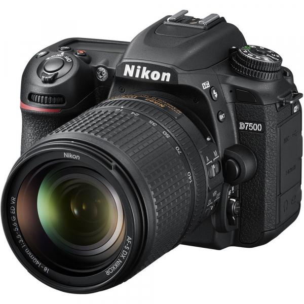 Nikon D7500 kit + Nikon 18-140mm VR 0