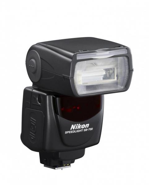 Nikon Speedlight SB-700 0