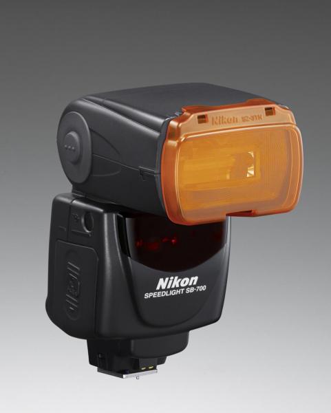Nikon Speedlight SB-700 1