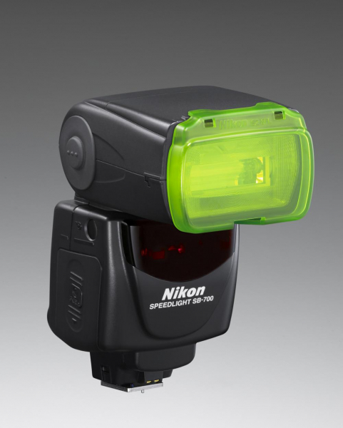 Nikon Speedlight SB-700 2