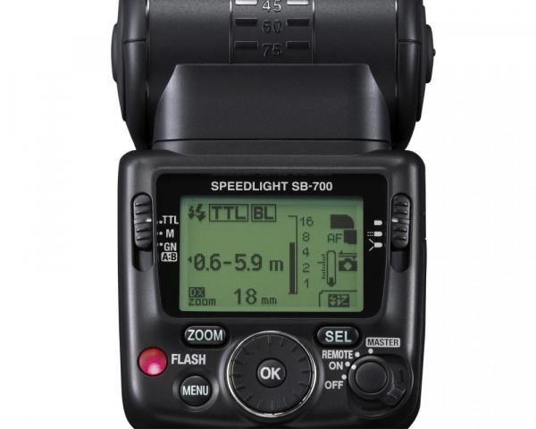 Nikon Speedlight SB-700 6