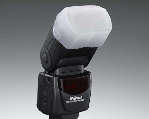 Nikon Speedlight SB-700 4