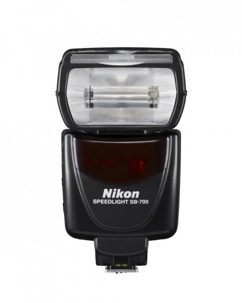 Nikon Speedlight SB-700 9