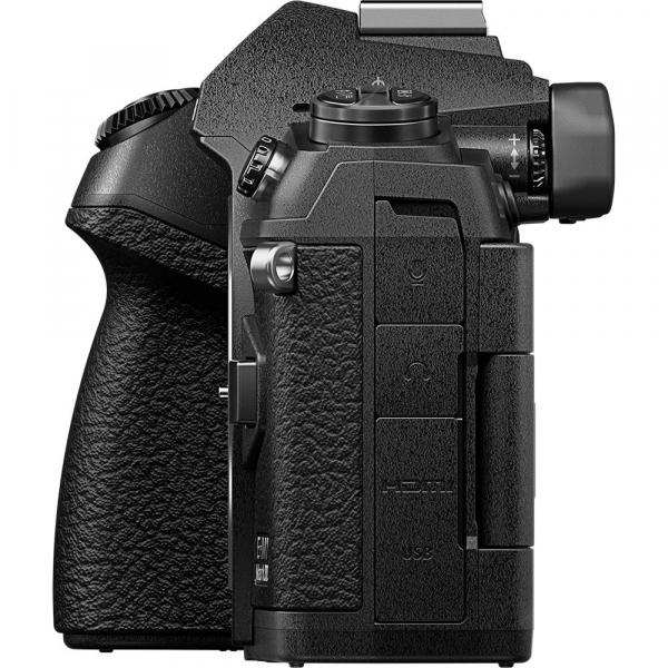 Olympus OM-D E-M1 Mark III cu obiectiv ED 12-40mm f/2.8 PRO, kit 4
