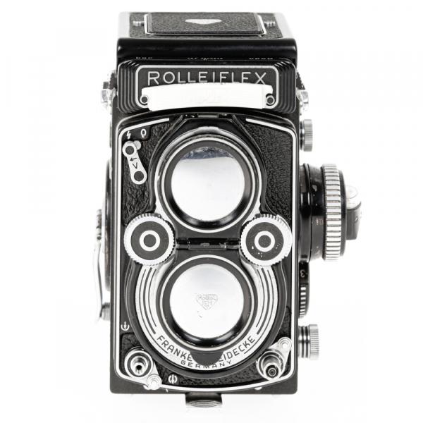 Rolleiflex 3.5 F ,Carl Zeiss-Plannar 1/3,5 F-75 mm 1