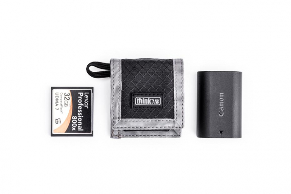 Think Tank CF/SD + Battery Wallet - Gri - Portofel carduri si baterie 0