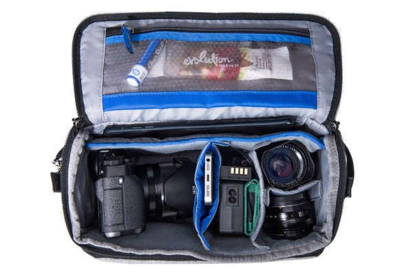 Think Tank Mirrorless Mover 25i - Dark Blue - geanta foto 3