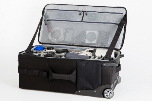 ThinkTank Logistic  Manager 30 - Black - troller 2