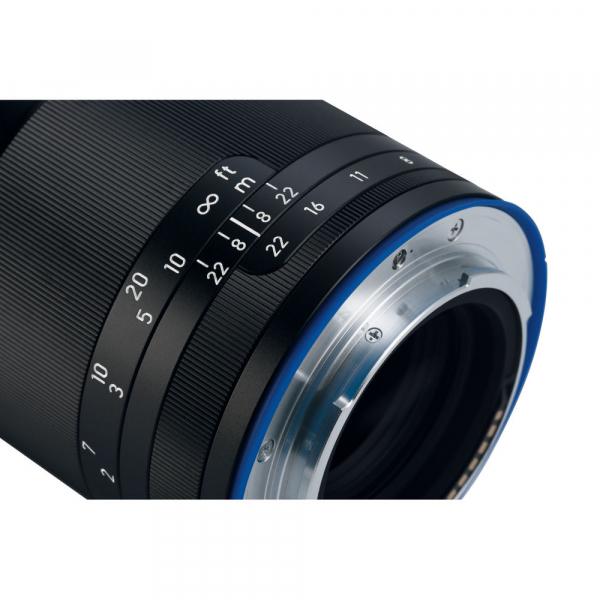 Zeiss Loxia 85mm 2.4 - montura Sony E ( compatibil Full Frame) 4