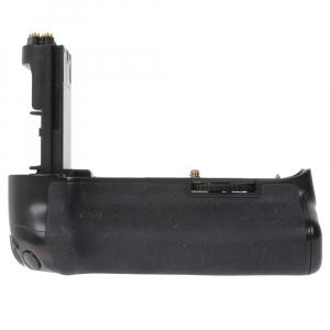 Canon EOS 5D Mark III body + Phottix Grip BG-5DIII (S.H.)7