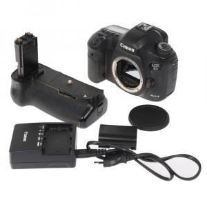 Canon EOS 5D Mark III body + Phottix Grip BG-5DIII (S.H.)6