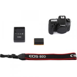 Canon EOS  80D Body8