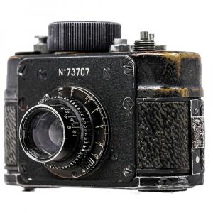 F21 Aparat de spionaj 1