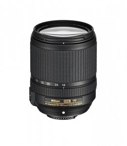 Nikon AF-S DX 18-140mm f/3.5–5.6G ED VR0