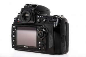 Nikon D700 body (Second Hand)3