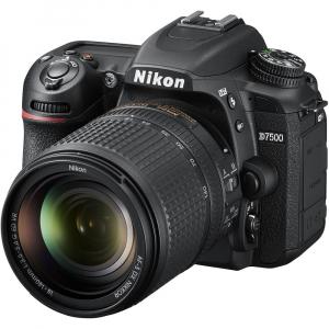 Nikon D7500 kit + Nikon 18-140mm VR0