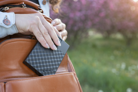 Verbatim Fingerprint Secure Portable Hard Drive 2TB - HDD extern cu scanare de amprenta [2]