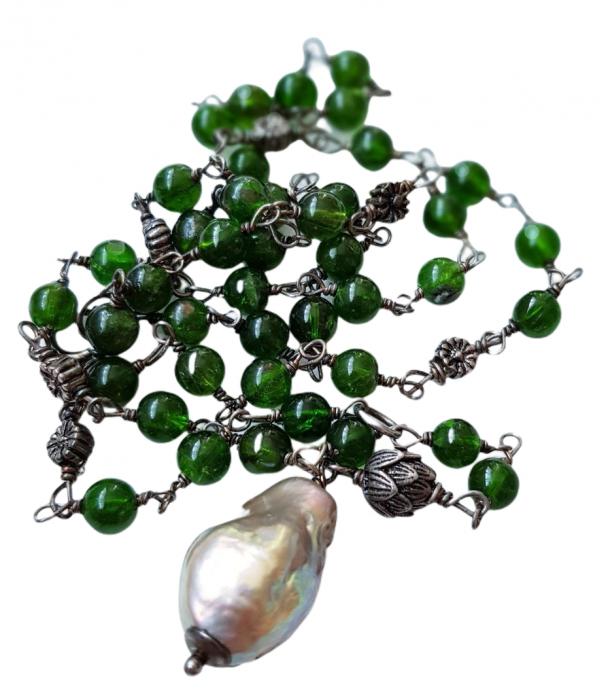 Colier cu pietre semipretioase naturale: crom-diopsid si perla naturala flameball( foarte frumos irizata) 1