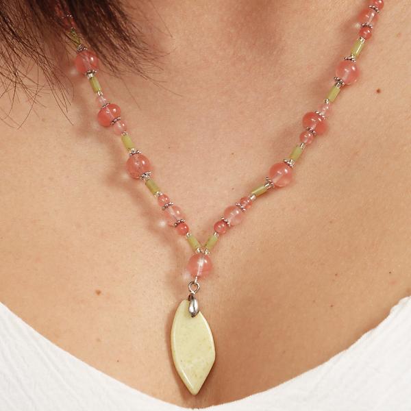 0262 Set bijuterii GANELLI - colier cu pandantivt, bratara si cercei din pietre semipretioase Jad Serpentin și Cuarț cherry 3