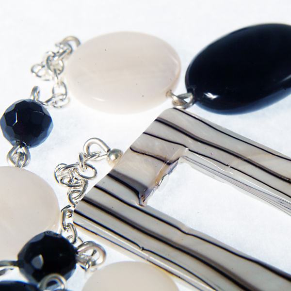 0203(B) Set bijuterii GANELLI pietre semipretioase Onix negru, Onix alb, Sidef - colier lung, bratara 2