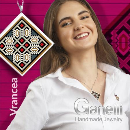 Pandantiv Ganelli din ceramica si argint cu motive romanesti din Moldova-Vrancea-Vidra2