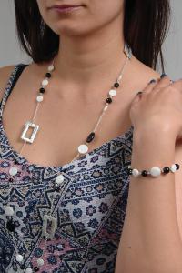 Set bijuterii GANELLI- colier lung si bratara din pietre semipretioase Onix negru, Onix alb, Sidef5