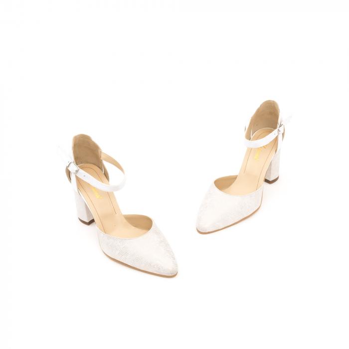 Pantofi dama eleganti decupati piele Nike invest 1207, alb auriu 1