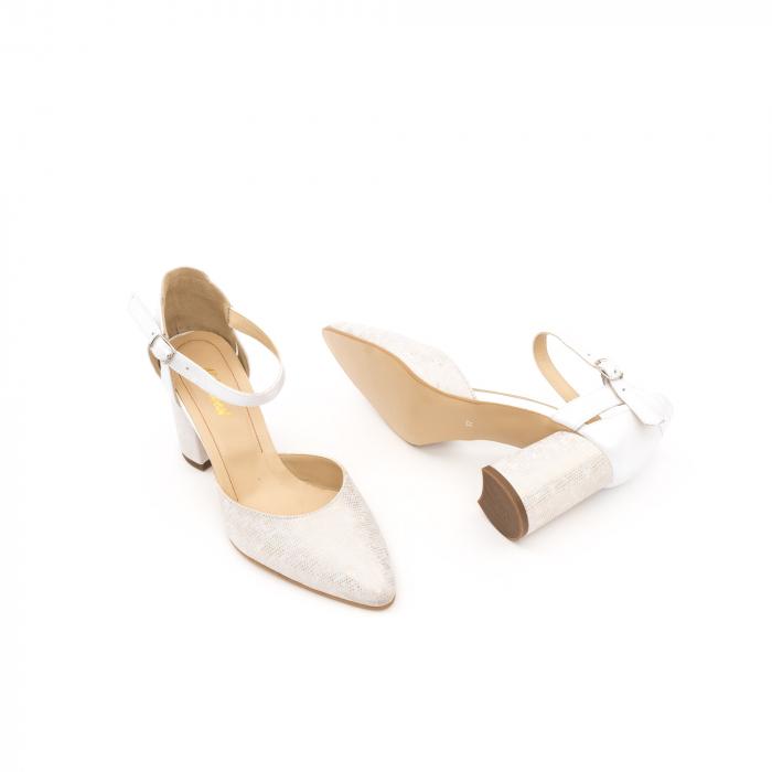 Pantofi dama eleganti decupati piele Nike invest 1207, alb auriu 3