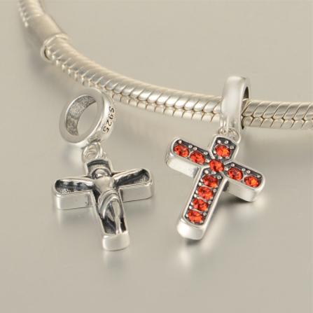 Pandantiv Cruce argint – cristale rosii [3]