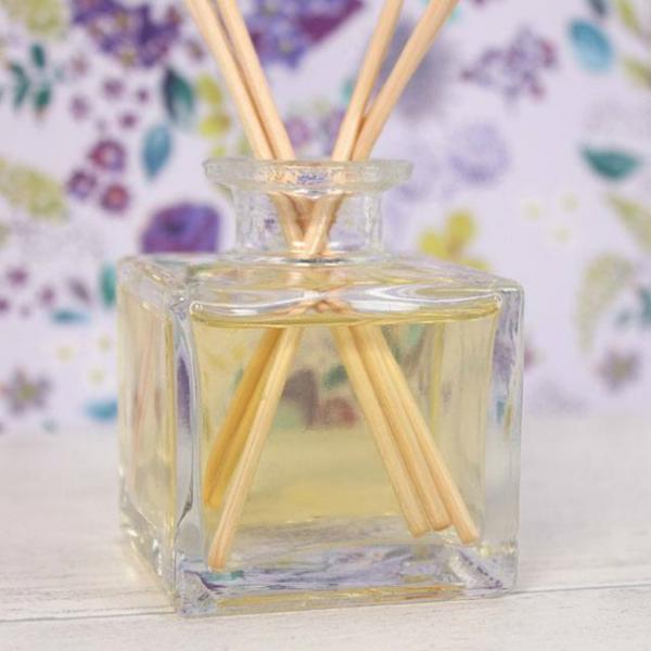 Set difuzor si betisoare parfumate - Prietenie 2