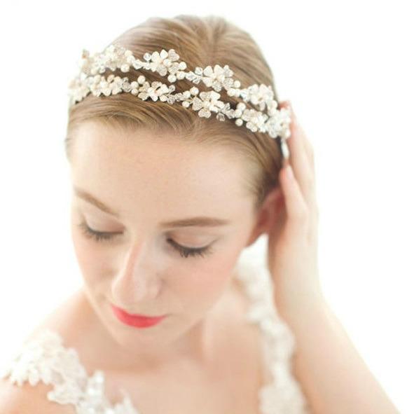 Tiara Lovely Bride 0