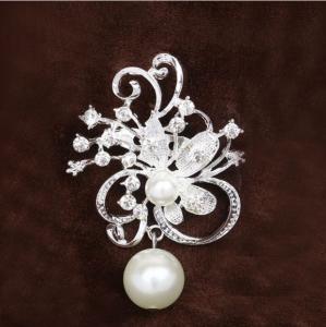 Brosa Flower&Pearls1