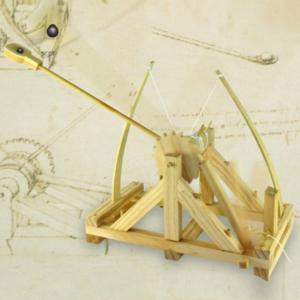 Catapulta lui Da Vinci0