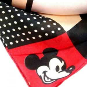 Esarfa din matase Mickey4