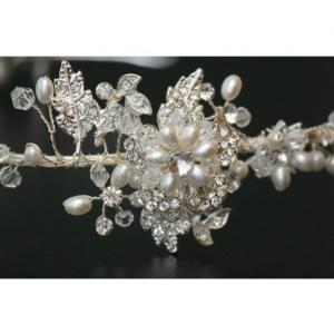 Tiara Luxury Bride6