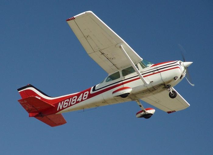 Avionul Cessna 172 1
