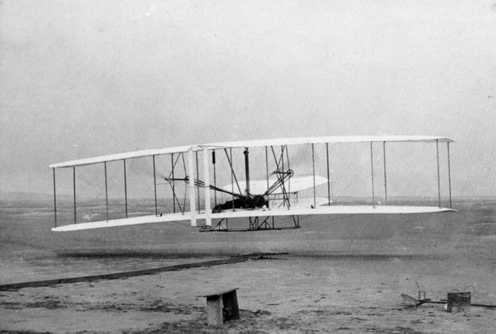 Avionul fratilor Wright 1