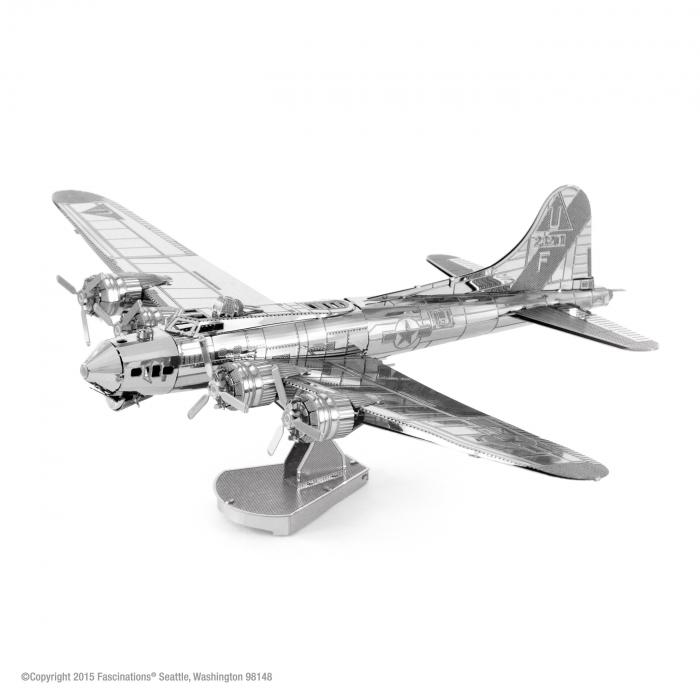 Bombardierul B-17 Flying Fortress [0]