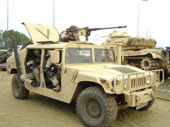 ICONX - Vehiculul Humvee 1