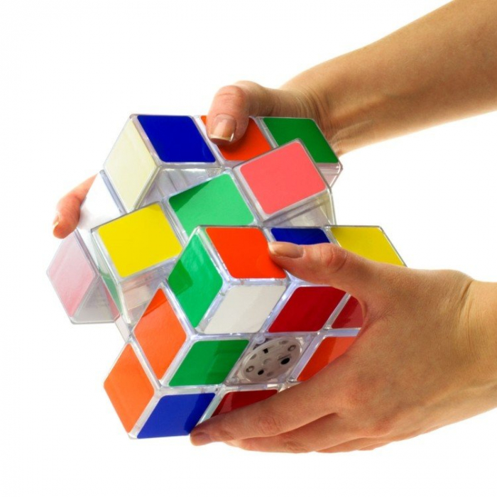 Lampa Cubul lui Rubik 1