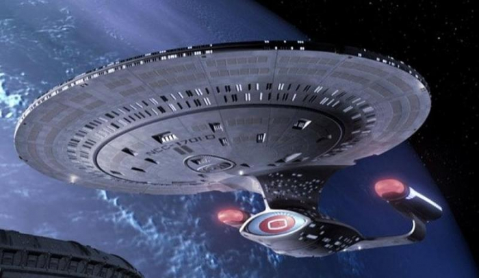 Star Trek - USS Enterprise NCC-1701- D 1