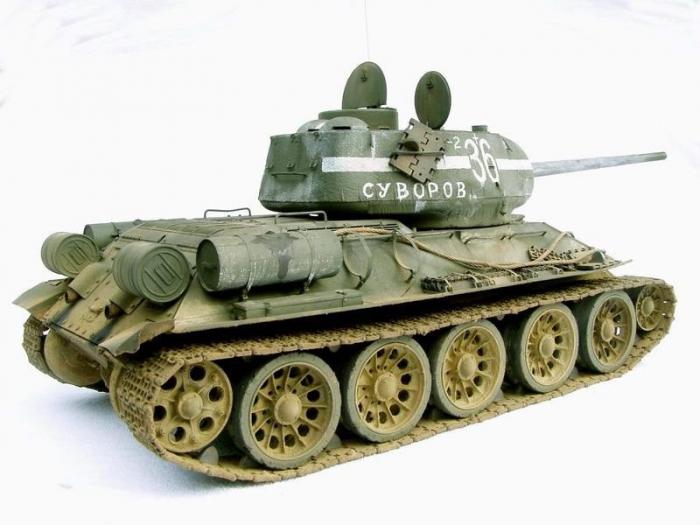 Tanc modelul T-34 1
