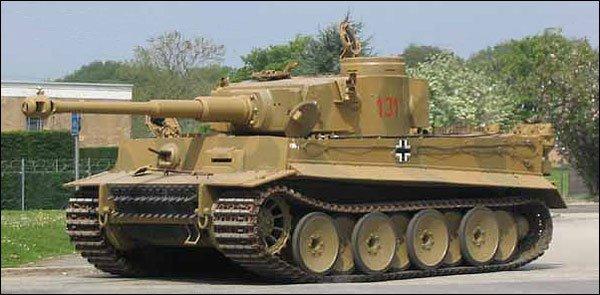 Tanc modelul Tiger I 1
