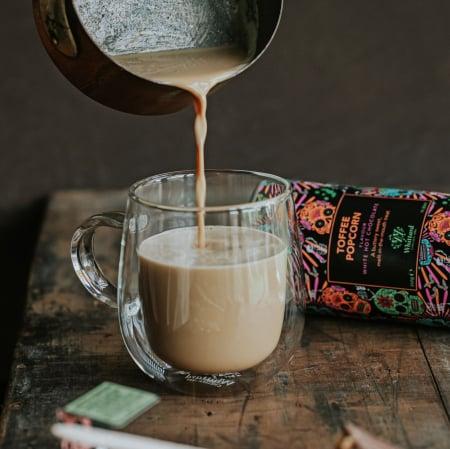Toffee Popcorn Hot Chocolate, ciocolata alba in editie limitata1