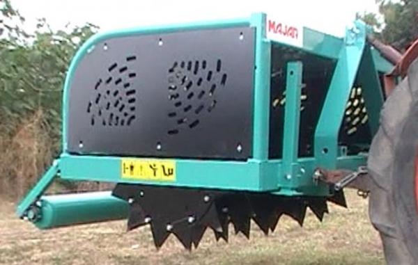 Aerator profesional pentru gazon 130 cm 2